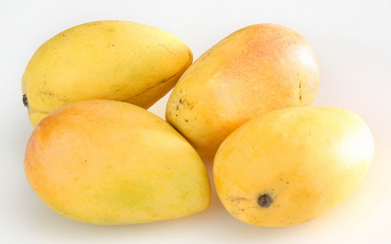 Yellow mango wallpaper