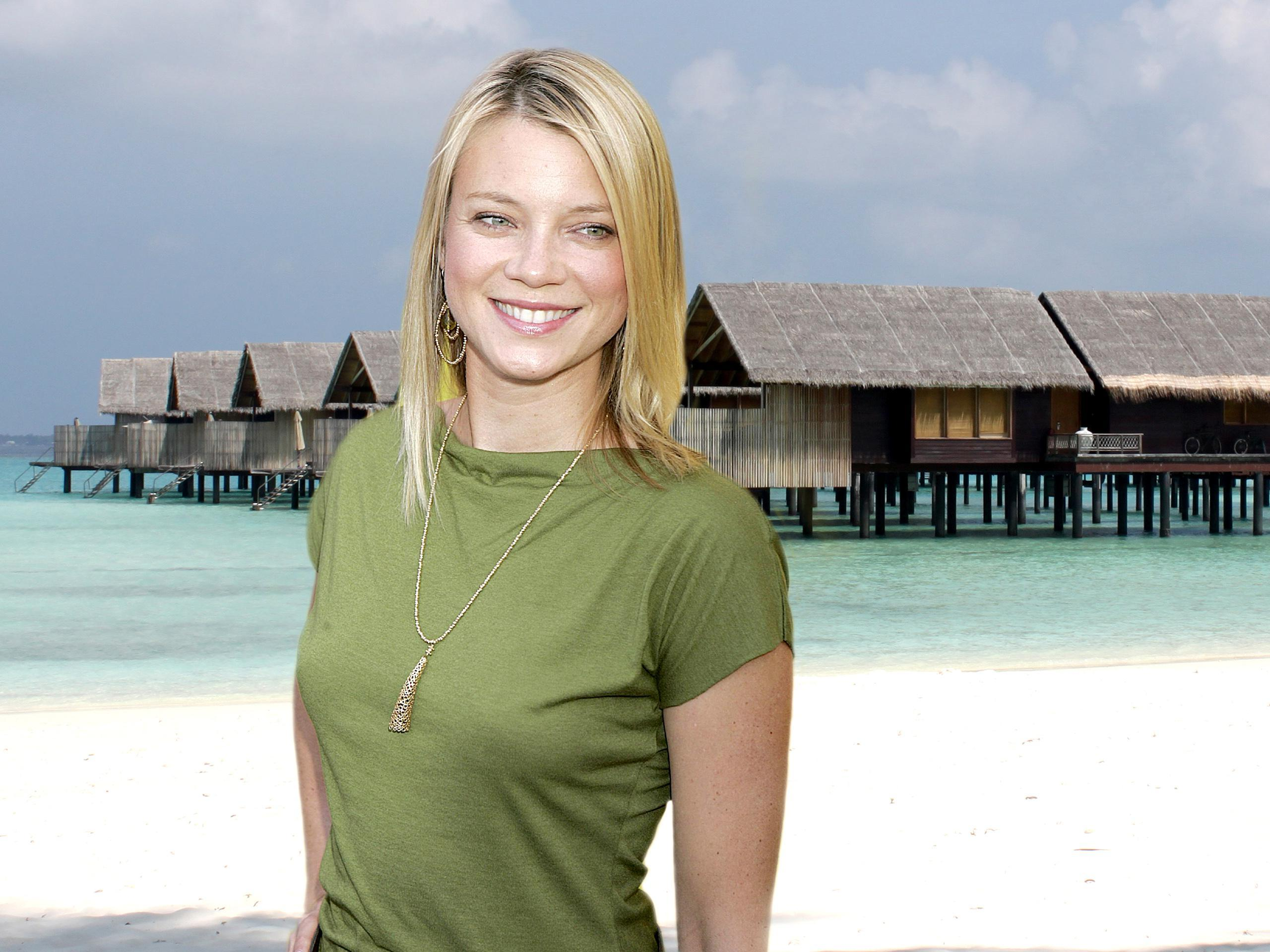 Amy smart actress stills