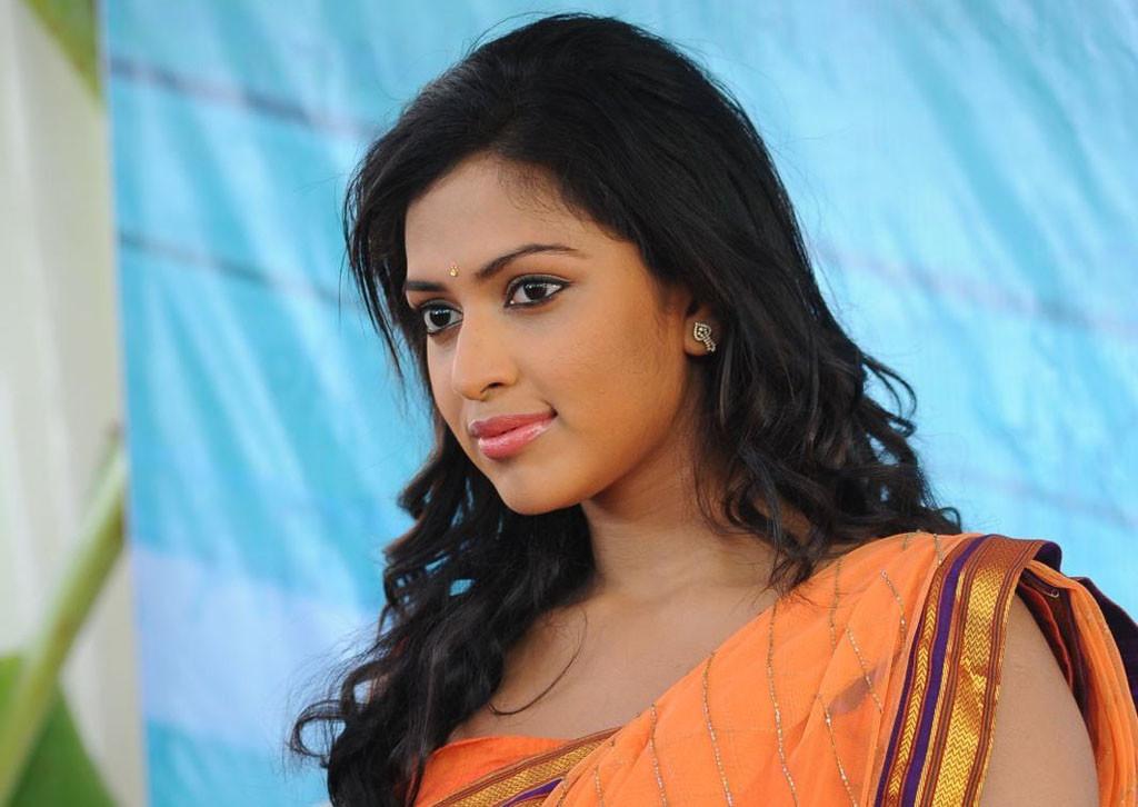 Tamil actress amala paul photos