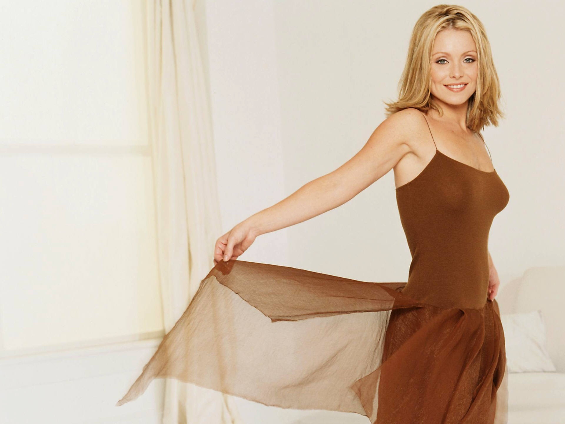 Actress kelly ripa pictures