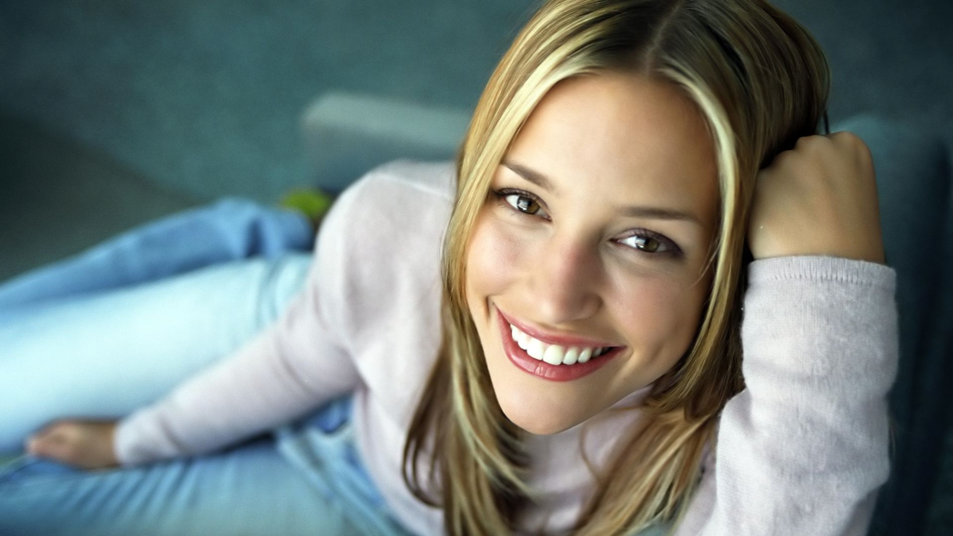 Actress piper perabo pictures