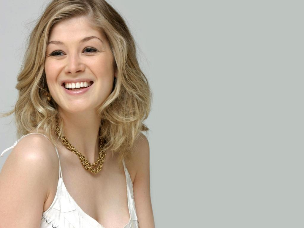 Actress rosamund pike cute photos