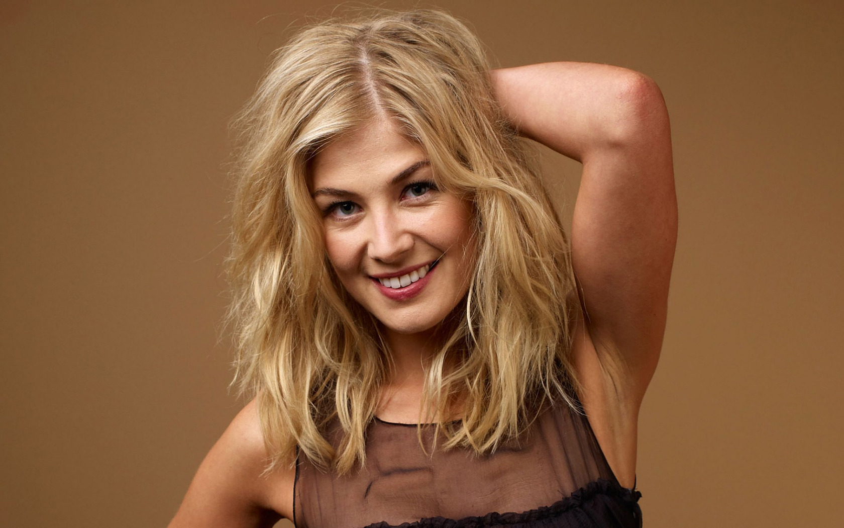 Actress rosamund pike wallpapers