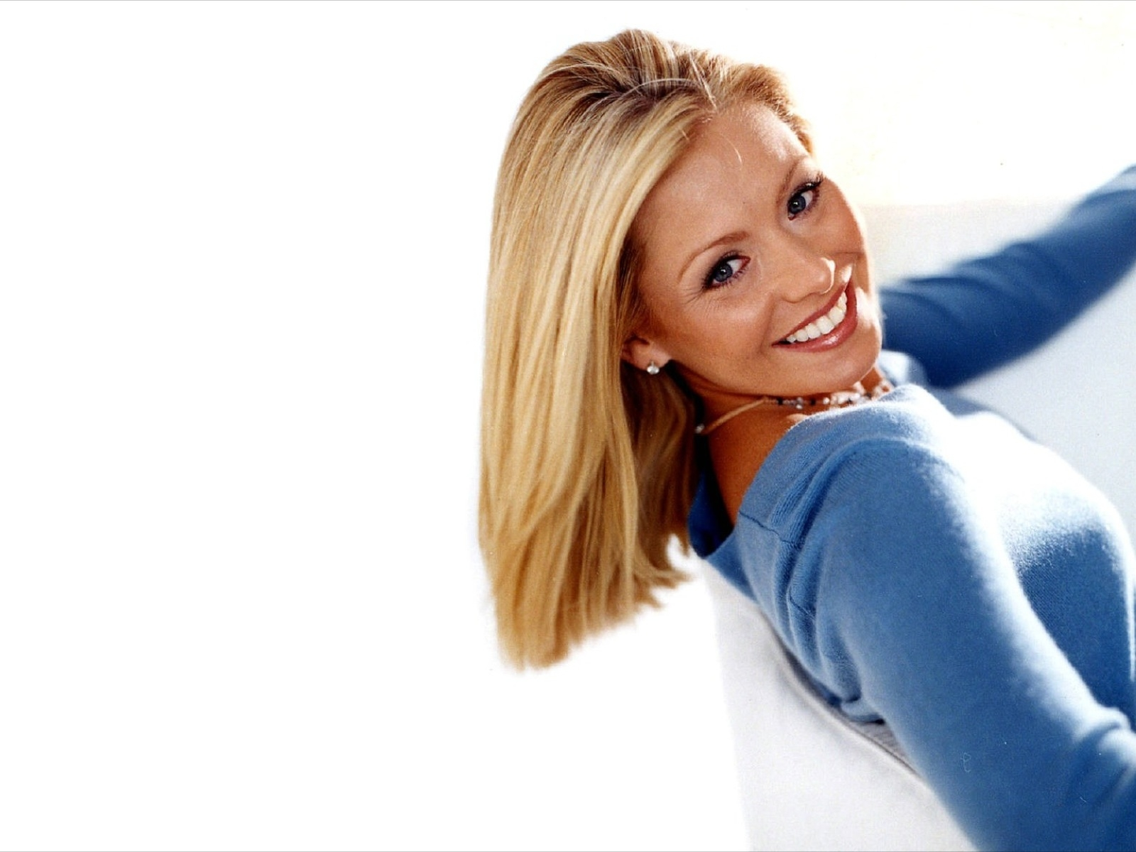 American actress kelly ripa wallpapers