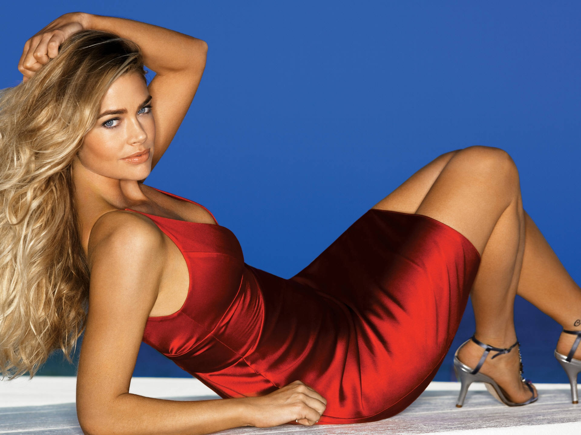 Denise richards red color dress