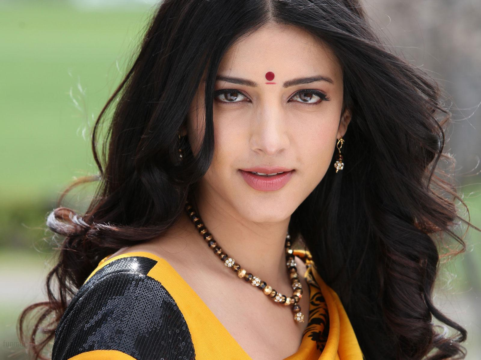 Tamil actress shruti hassan
