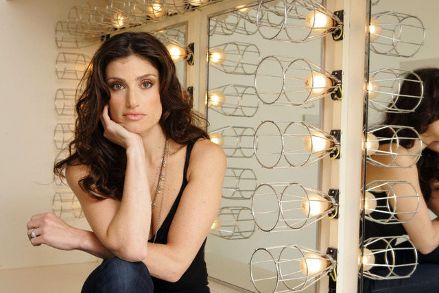 Idina menzel actress photos