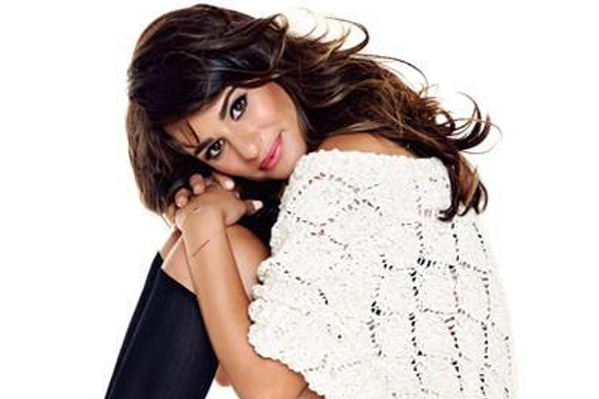 Lea michele white color dress photos