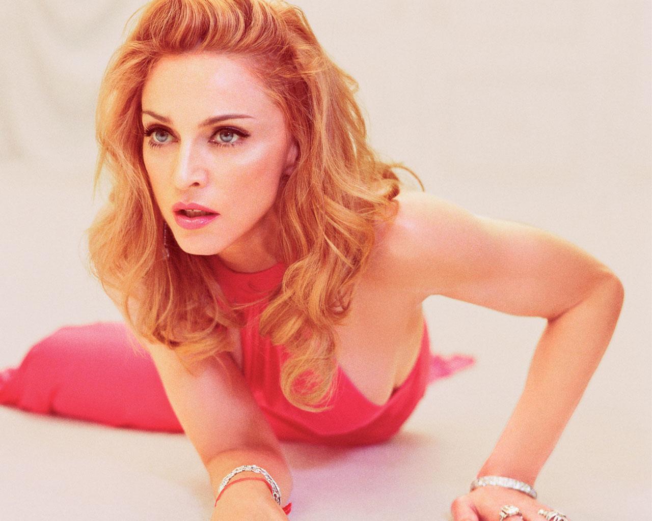 Madonna red color dress photos