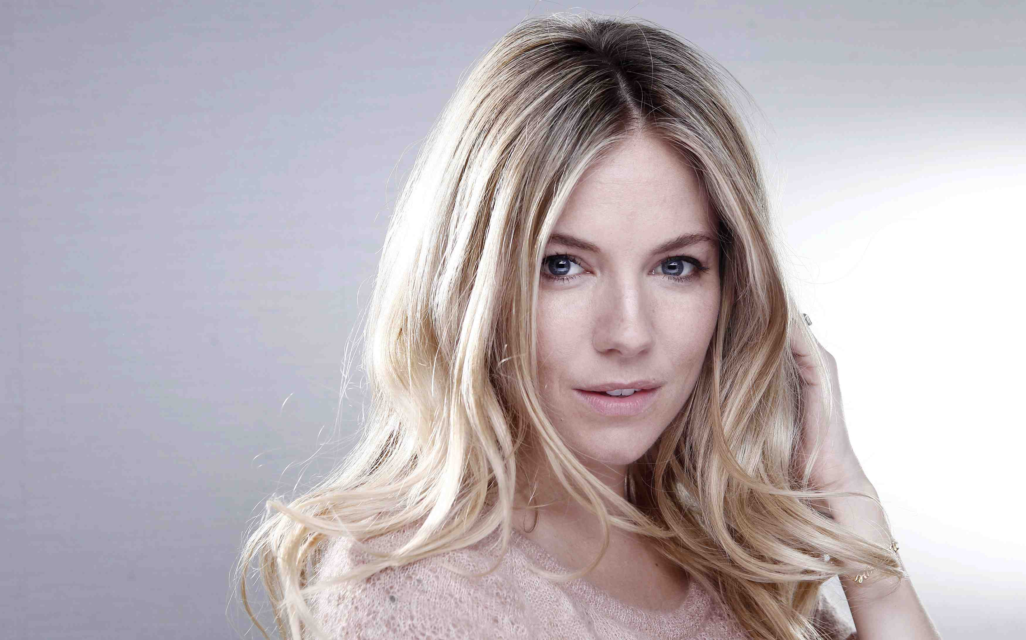 Sienna miller actress pictures