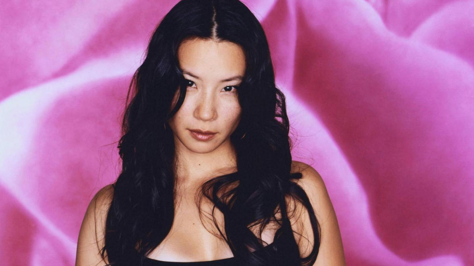 Actress lucy liu wallpapers