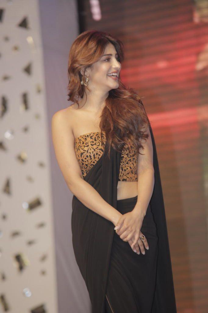 Shruti hassan black saree cute stills