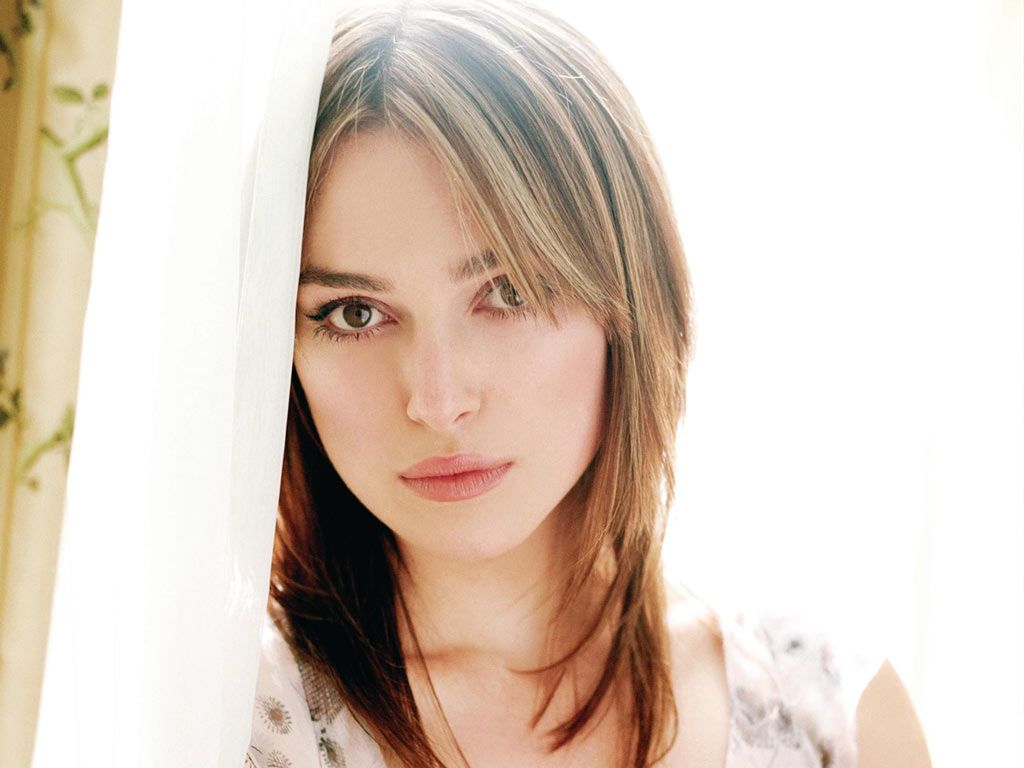 Keira knightley cute face stills