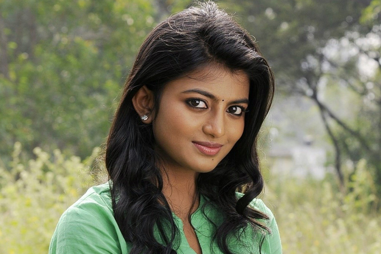 Tamil actress anandhi pictures