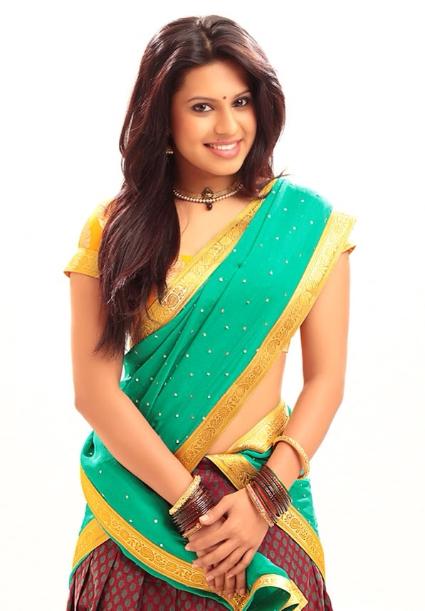 Actress ranya rao green saree pictures
