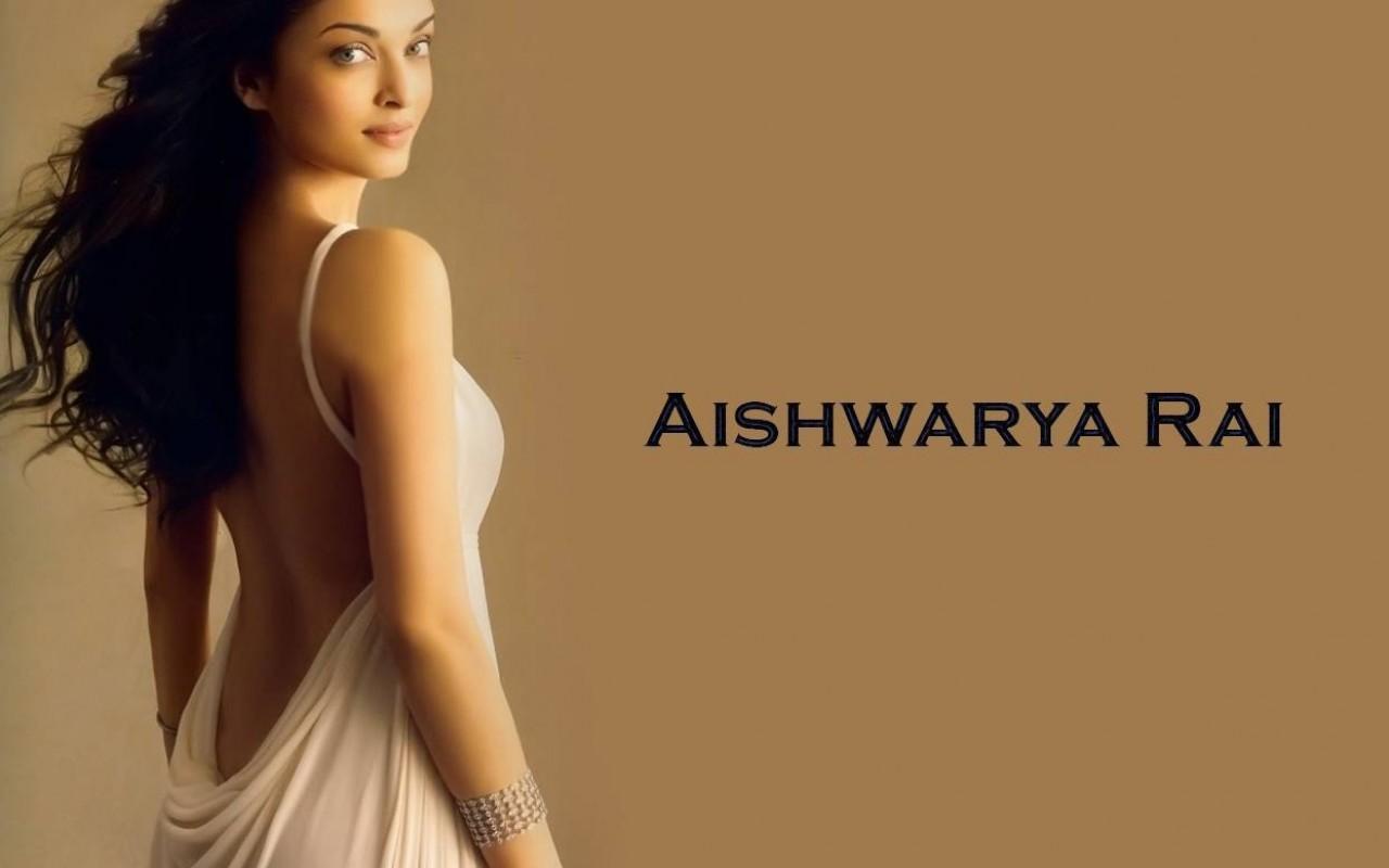 Aishwarya rai backless wallpaper
