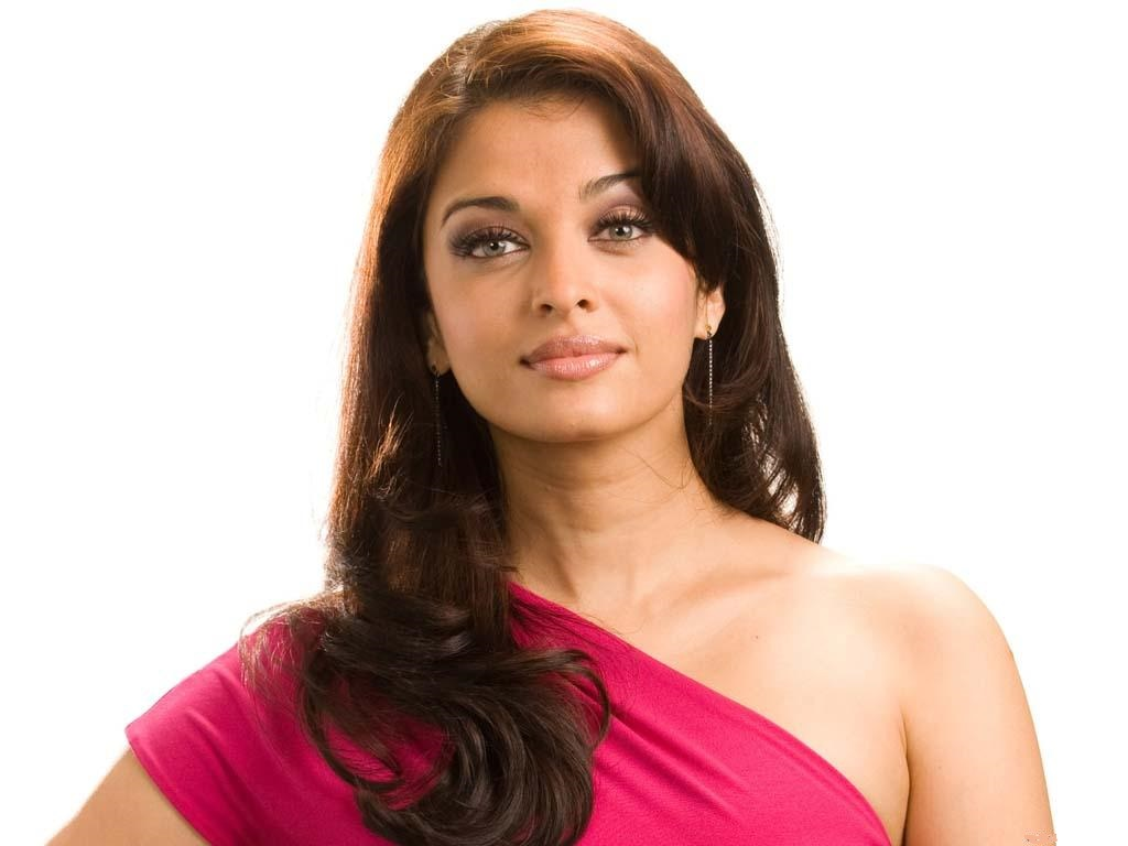 Actress aishwarya rai hot red saree photos