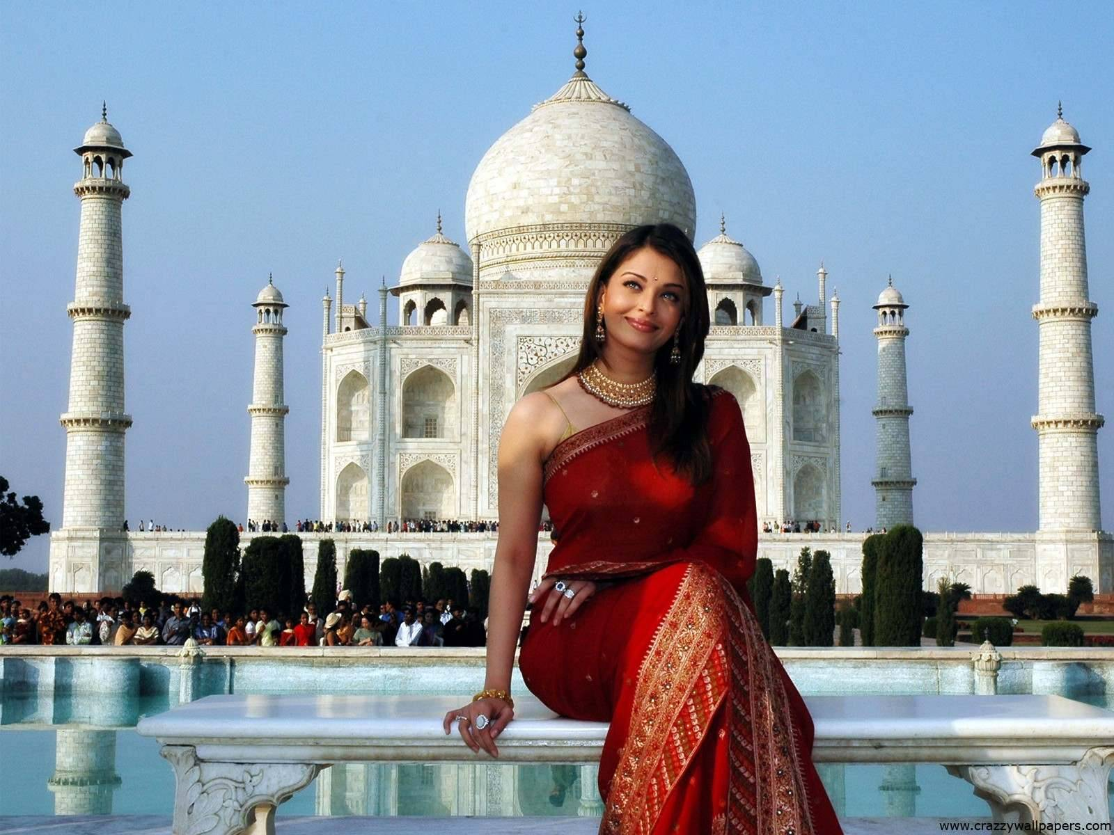 Actress aishwarya rai red saree with taj mahal wallpaper