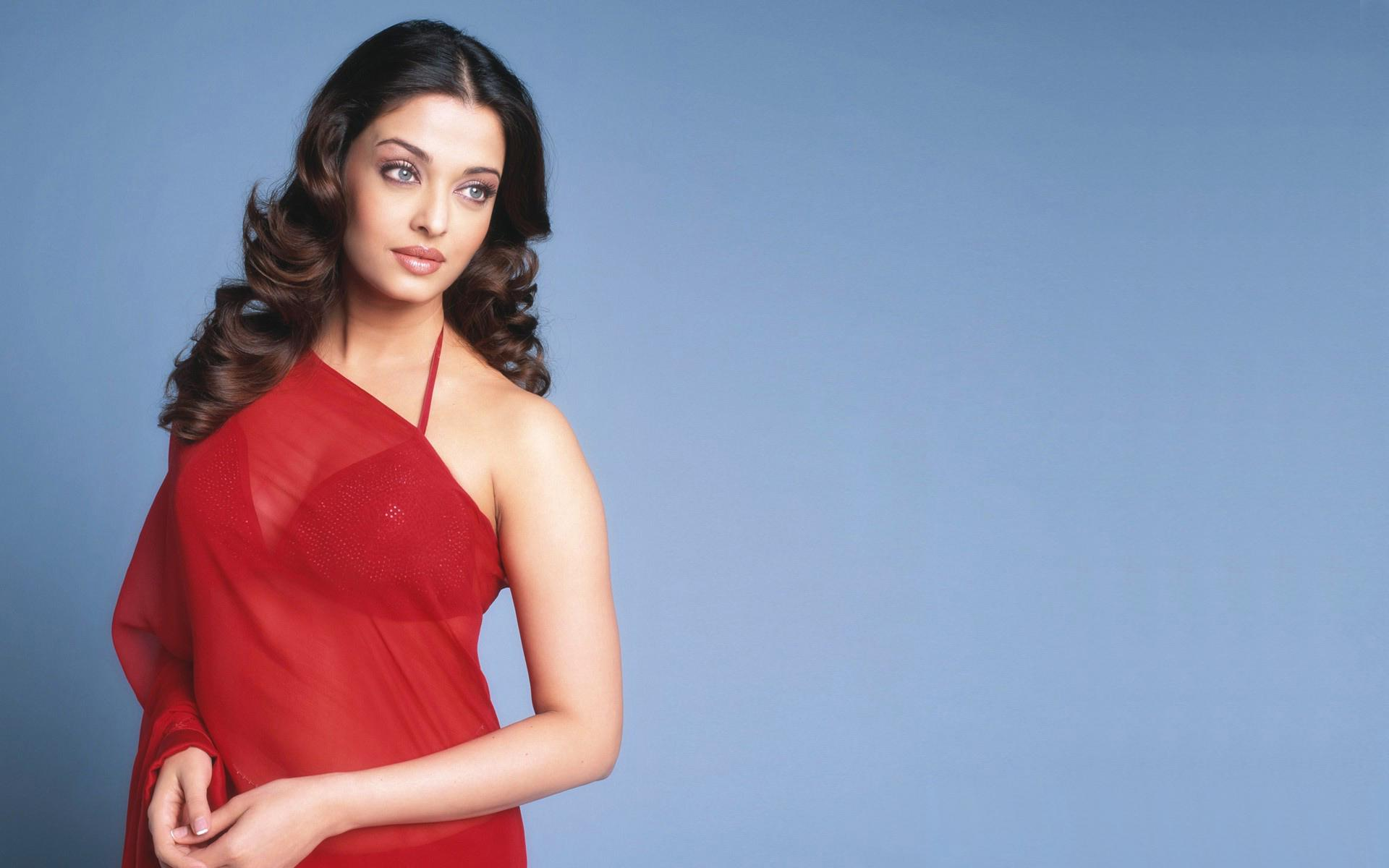 Actress aishwarya red saree wallpaper