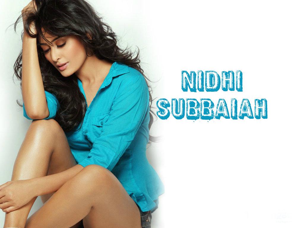 Boollywood actress nidhi subbaiah hot wallpaper