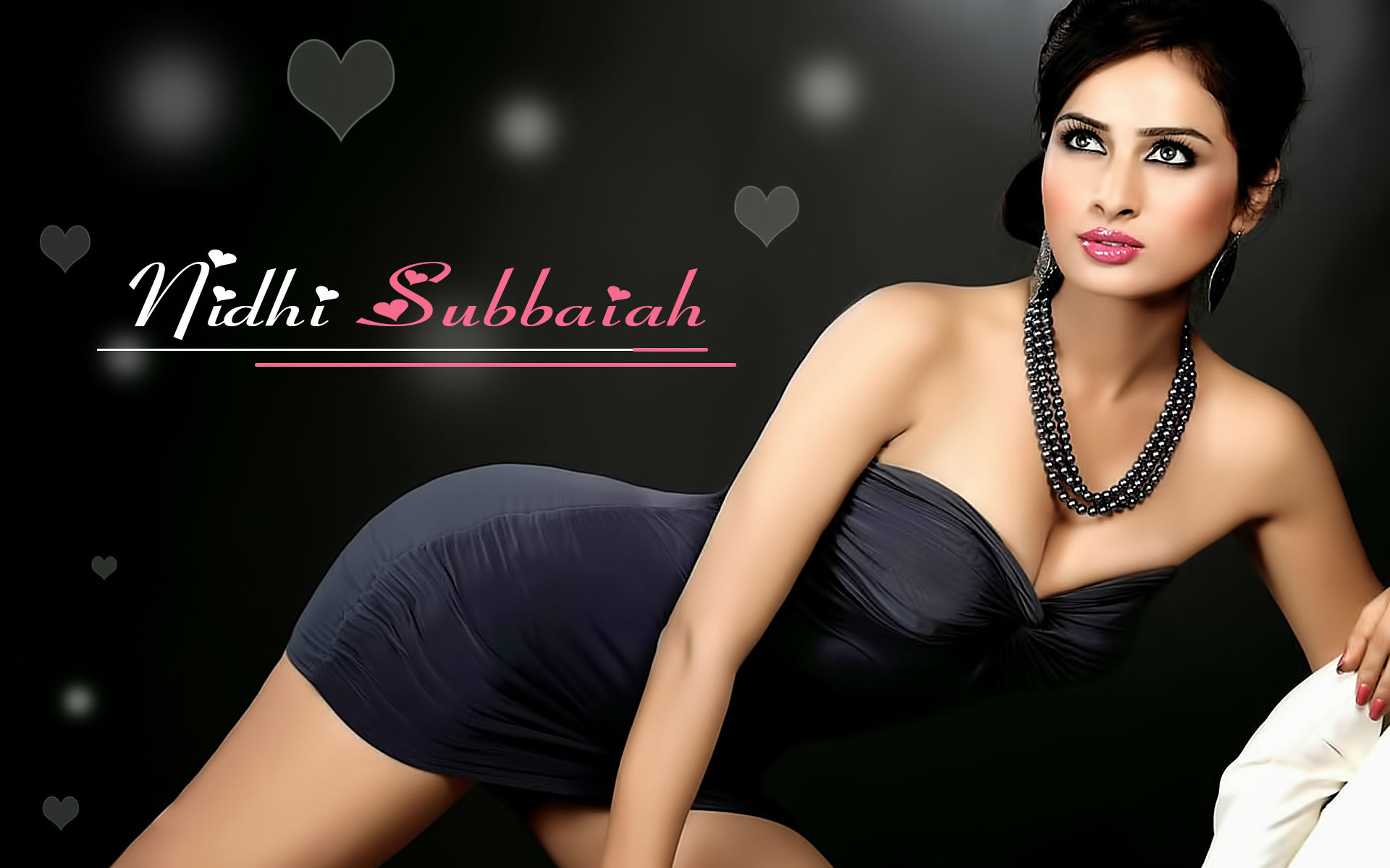 Nidhi subbaiah figure hot photos