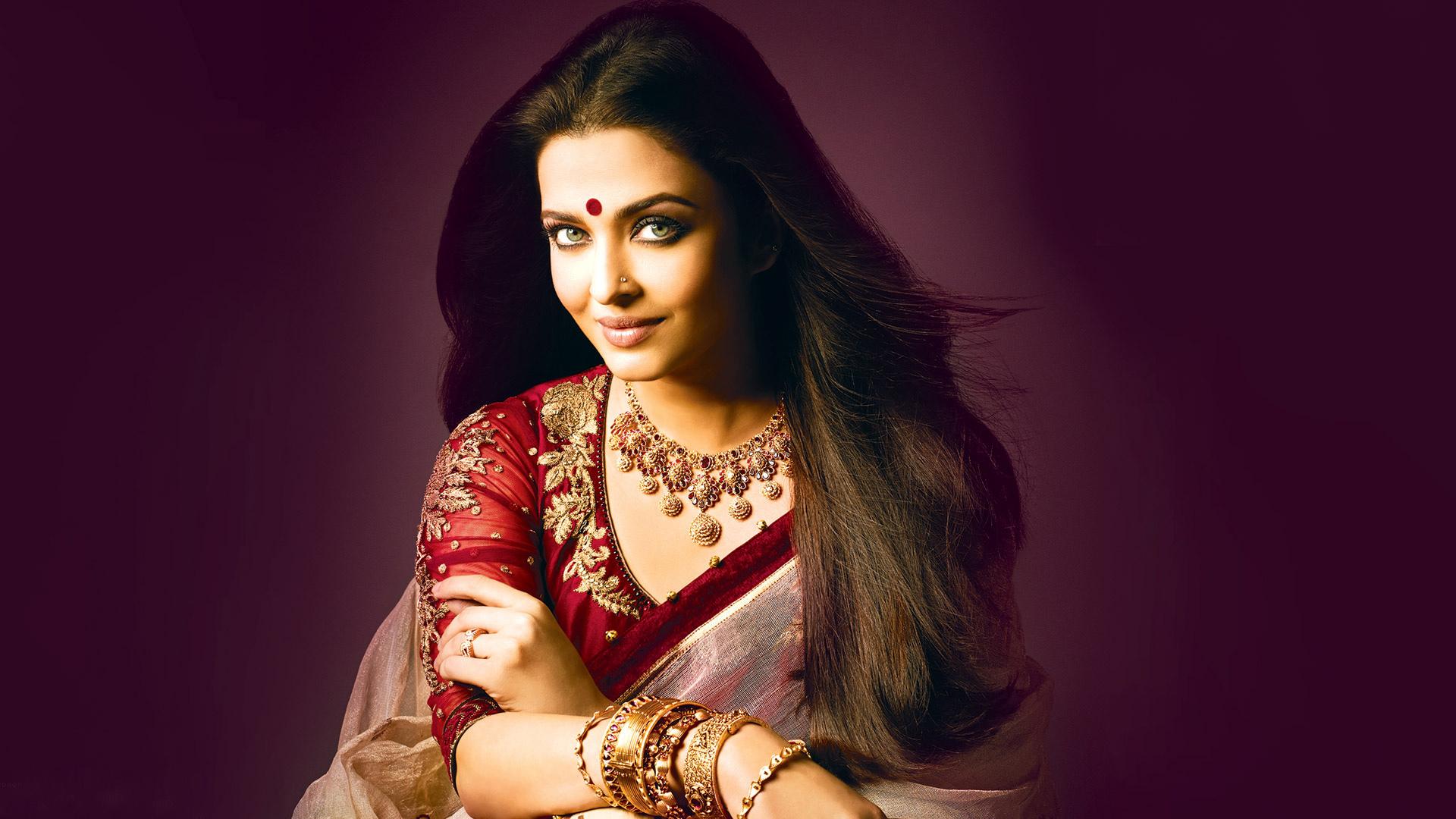 Aishwarya rai bachchan saree photos