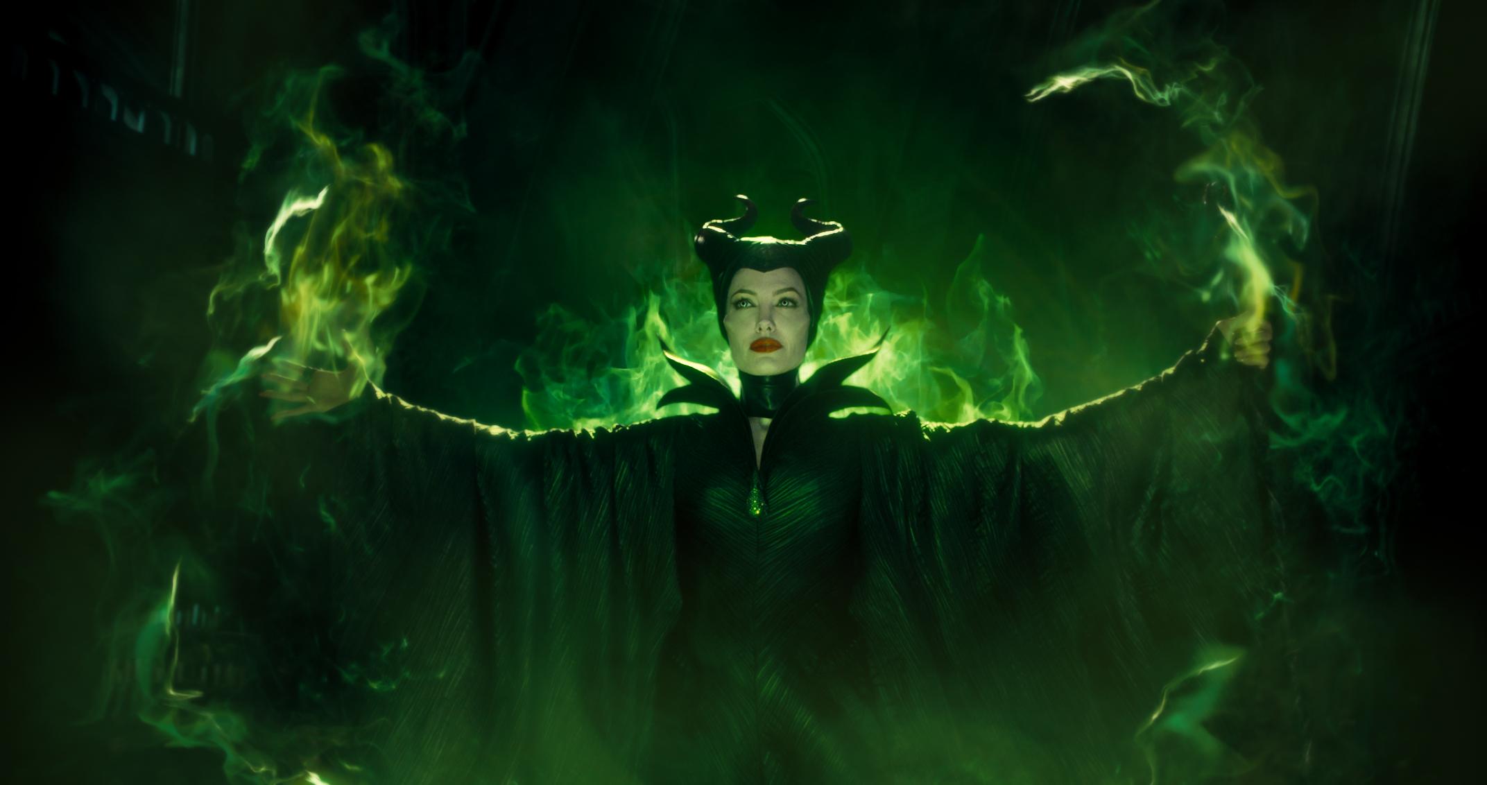 Angelina jolie actress green dress wallpaper