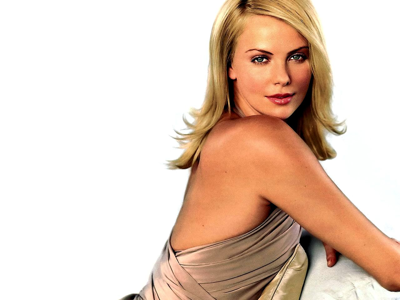 Charlize theron actress pictures