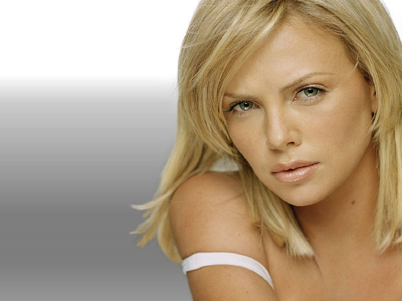 Charlize theron unseen photos