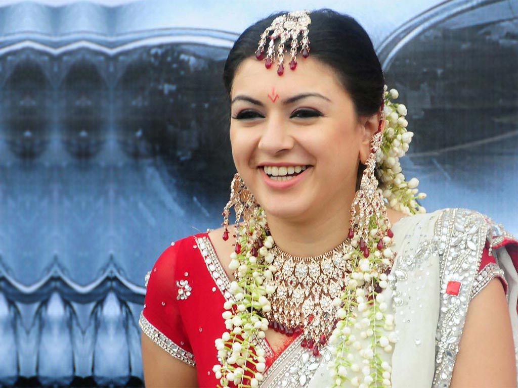 Hansika motwani hot marriage photos