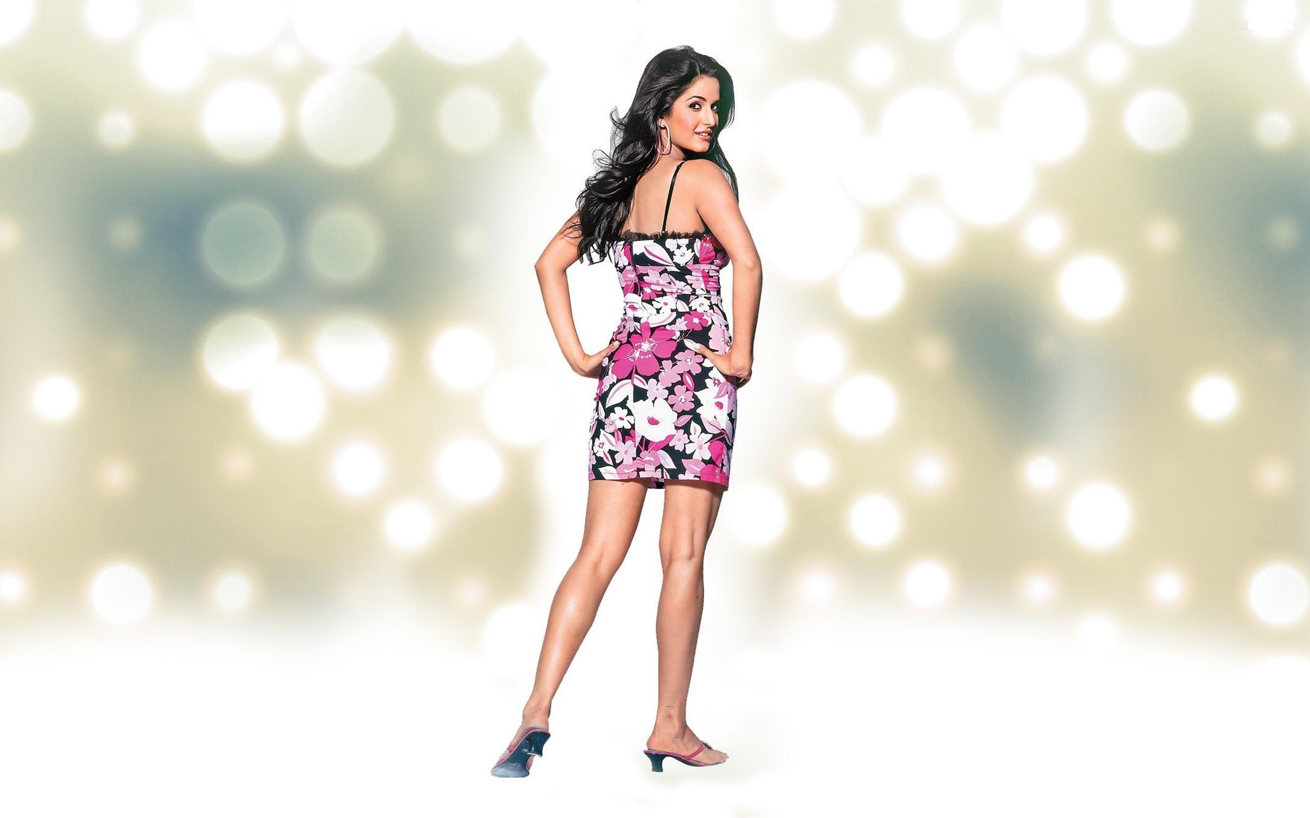 Hindi actress katrina kaif actress backless photos