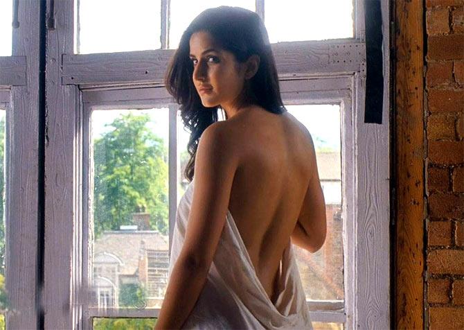 Katrina kaif actress backless photos