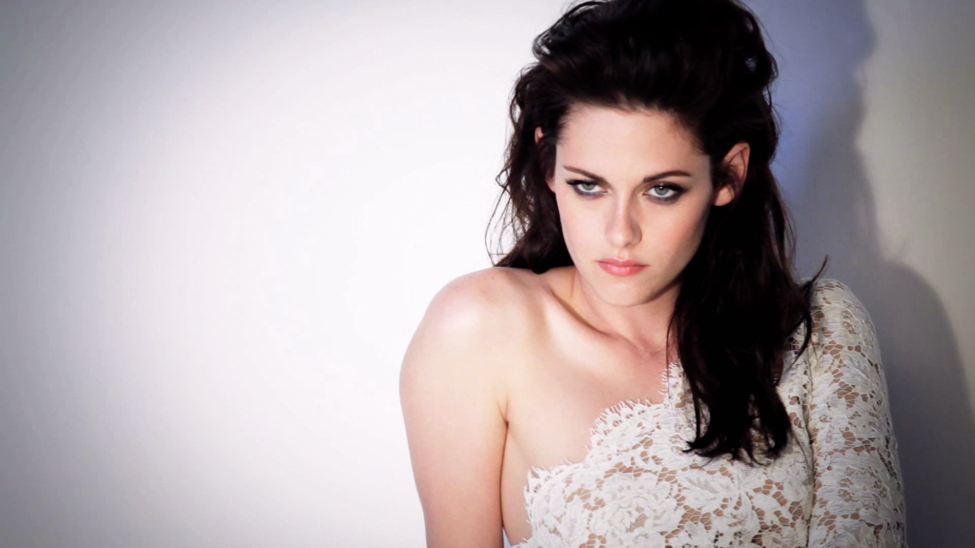 Kristen stewart cute wallpaper