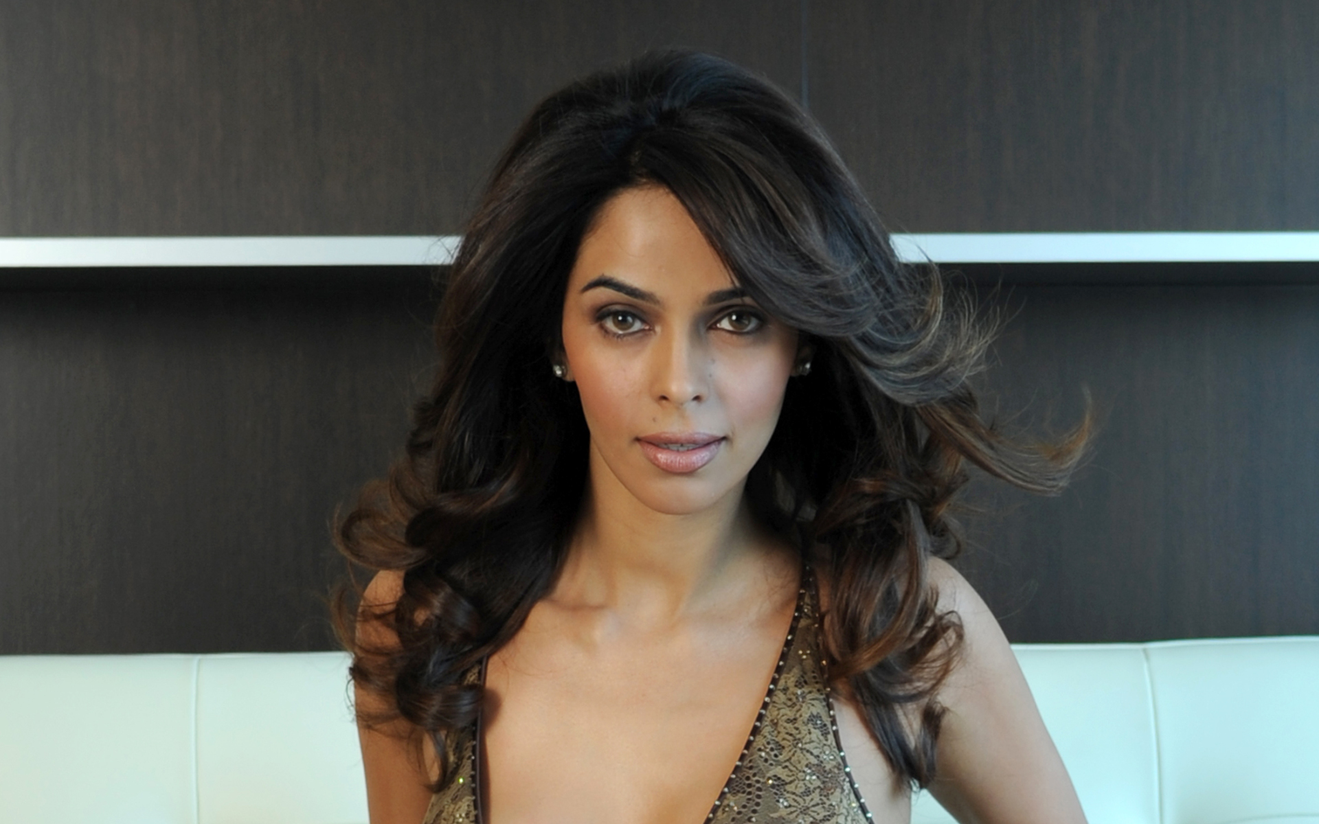 Mallika sherawat actress cute face wallpaper