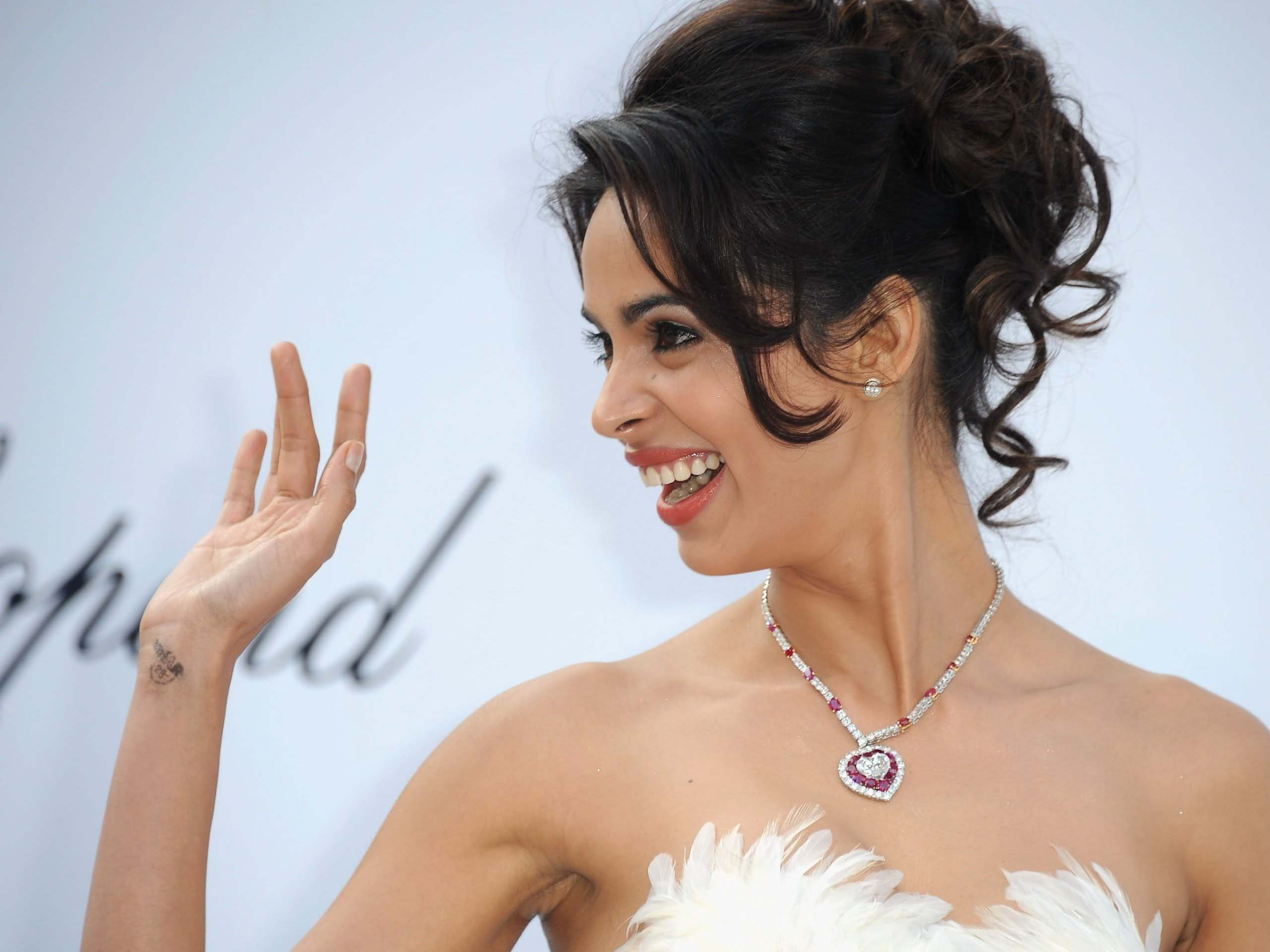 Mallika sherawat actress unseen wallpaper