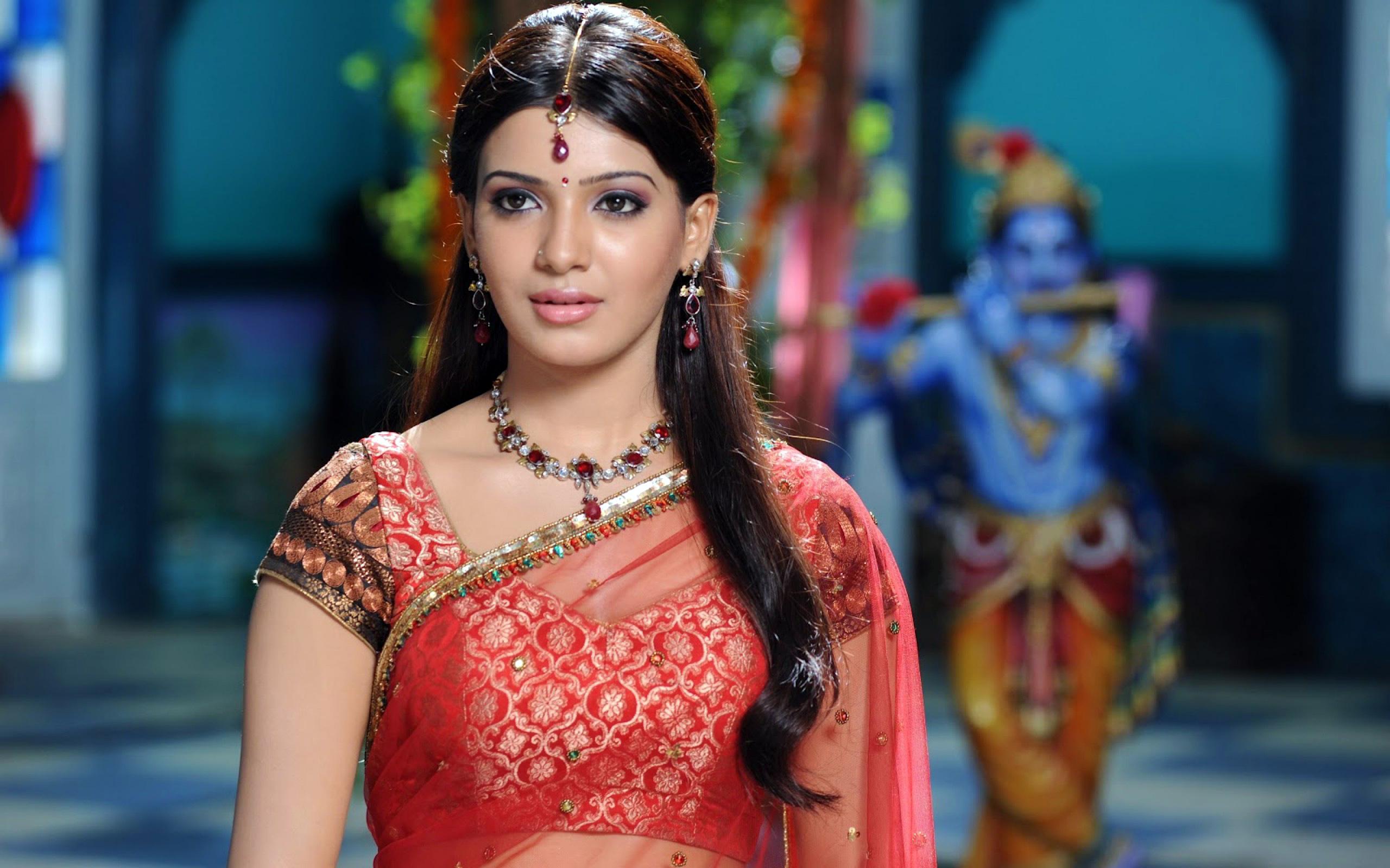 Samantha ruth prabhu red saree pictures