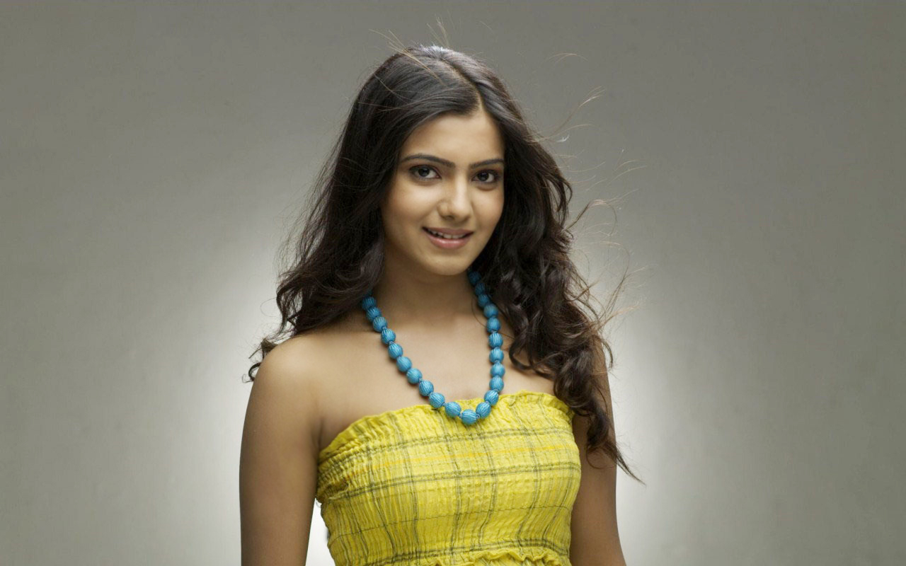 Samantha yellow dress photos