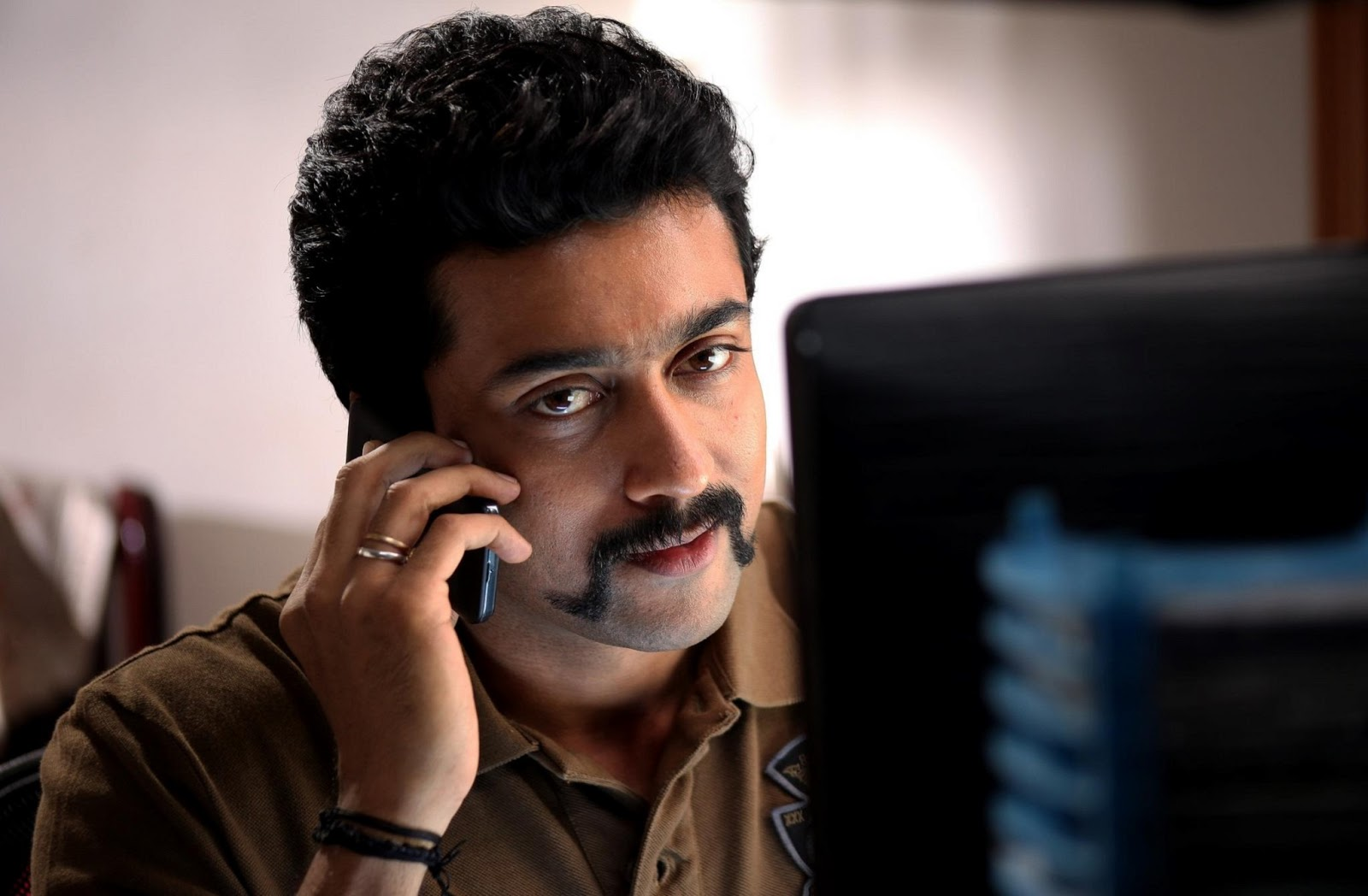 Singam exclusive wallpaper