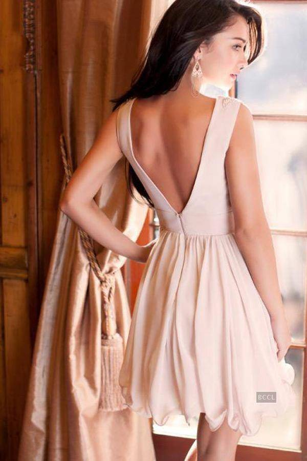 Amy jackson backless pictures