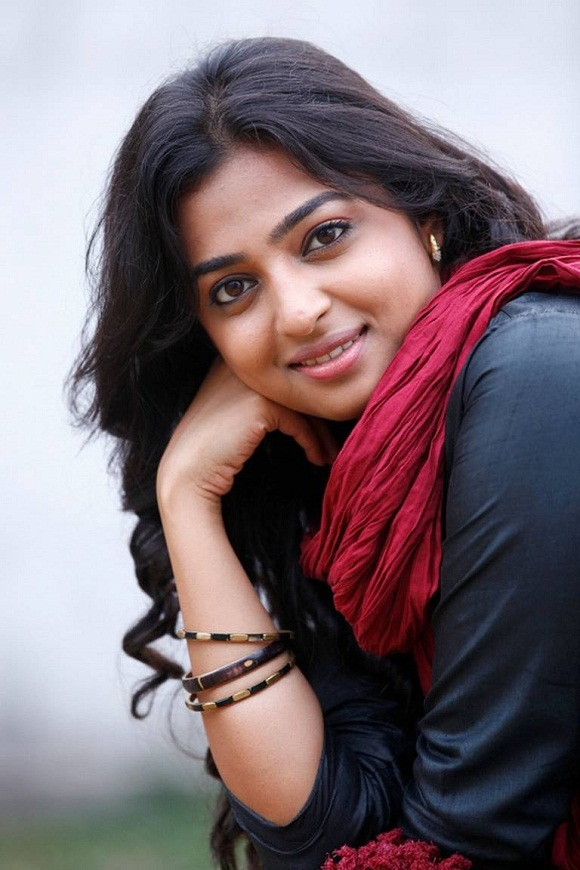 Kabali heroine radhika apte photos