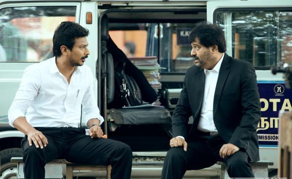 Manithan movie cute stills