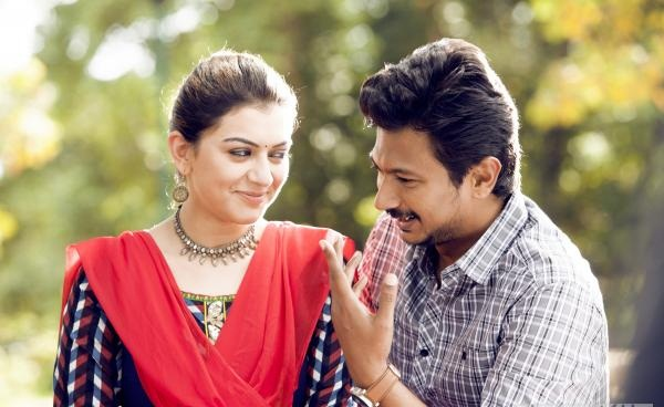 Manithan movie romance photos