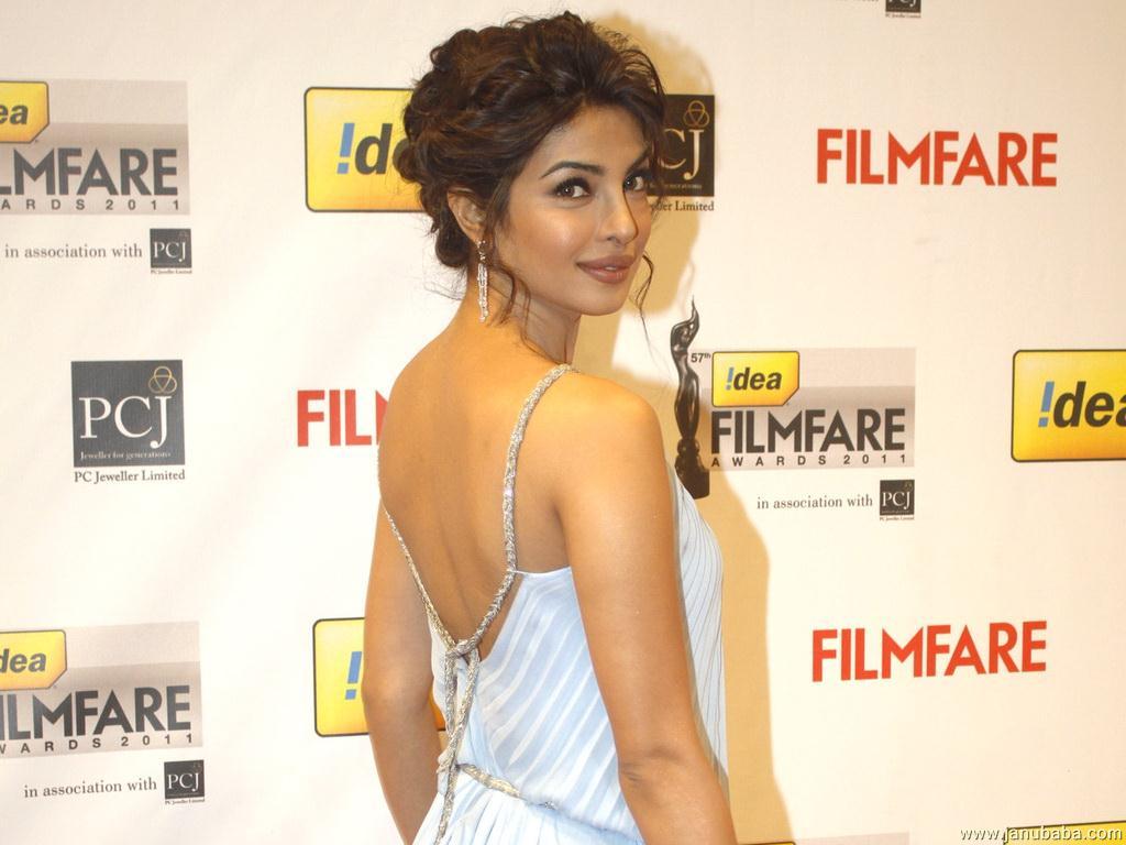 Priyanka chopra backless pictures