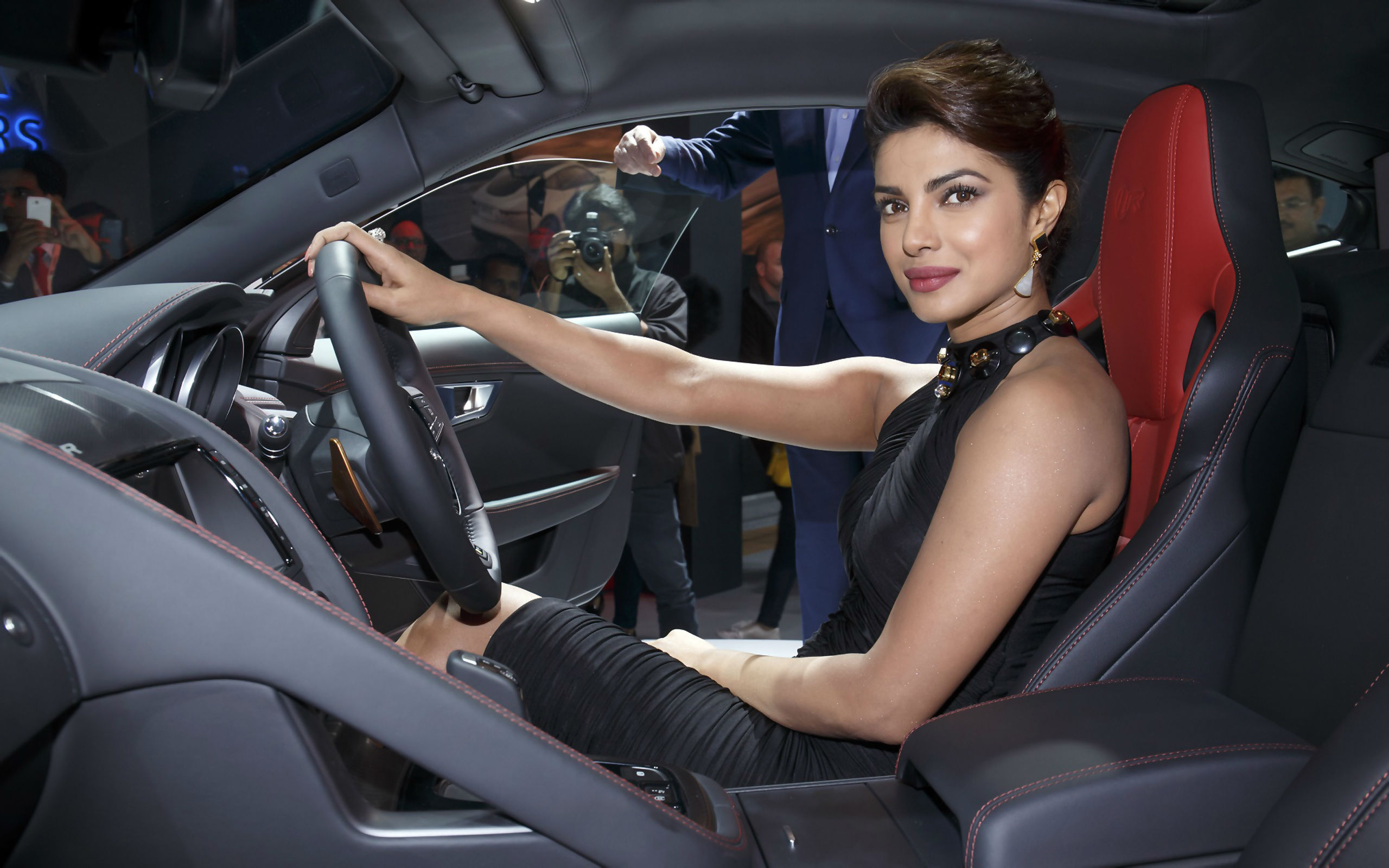 Priyanka chopra in car wide wallpaper