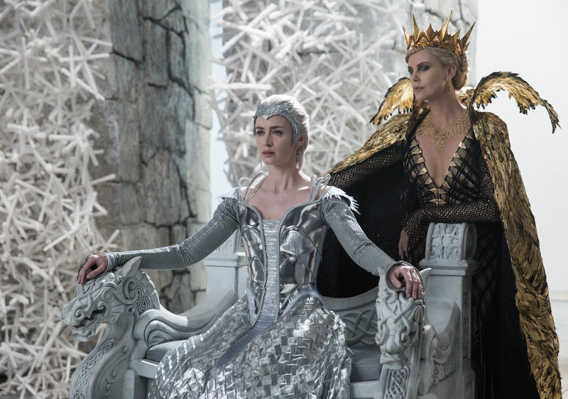 The huntsman winters war film wallpaper