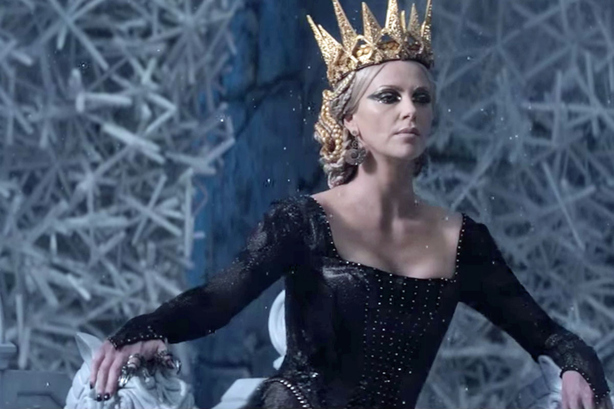 The huntsman winters war movie charlize theron wallpaper