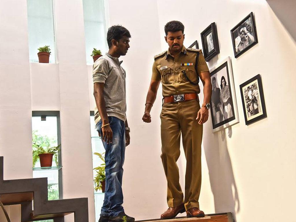 Vijay police dress wallpaper
