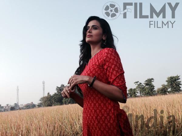 Yeh laal rang film meenakshi dixit red dress photos