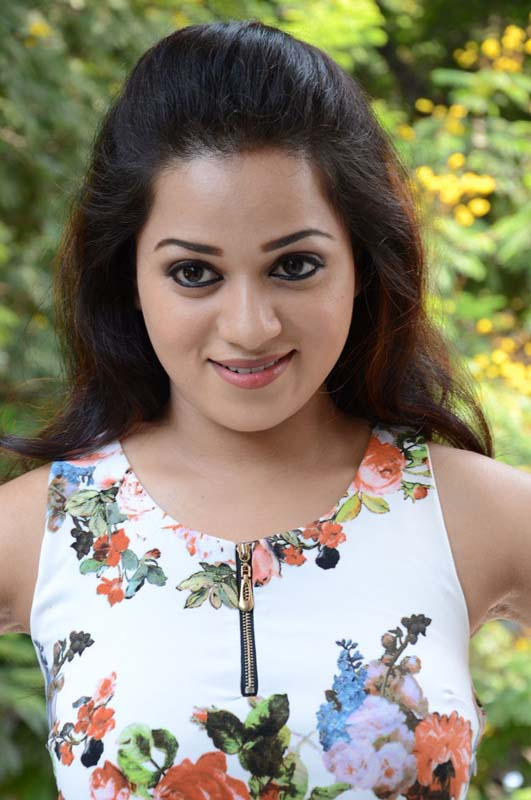 Actress reshma cute stills