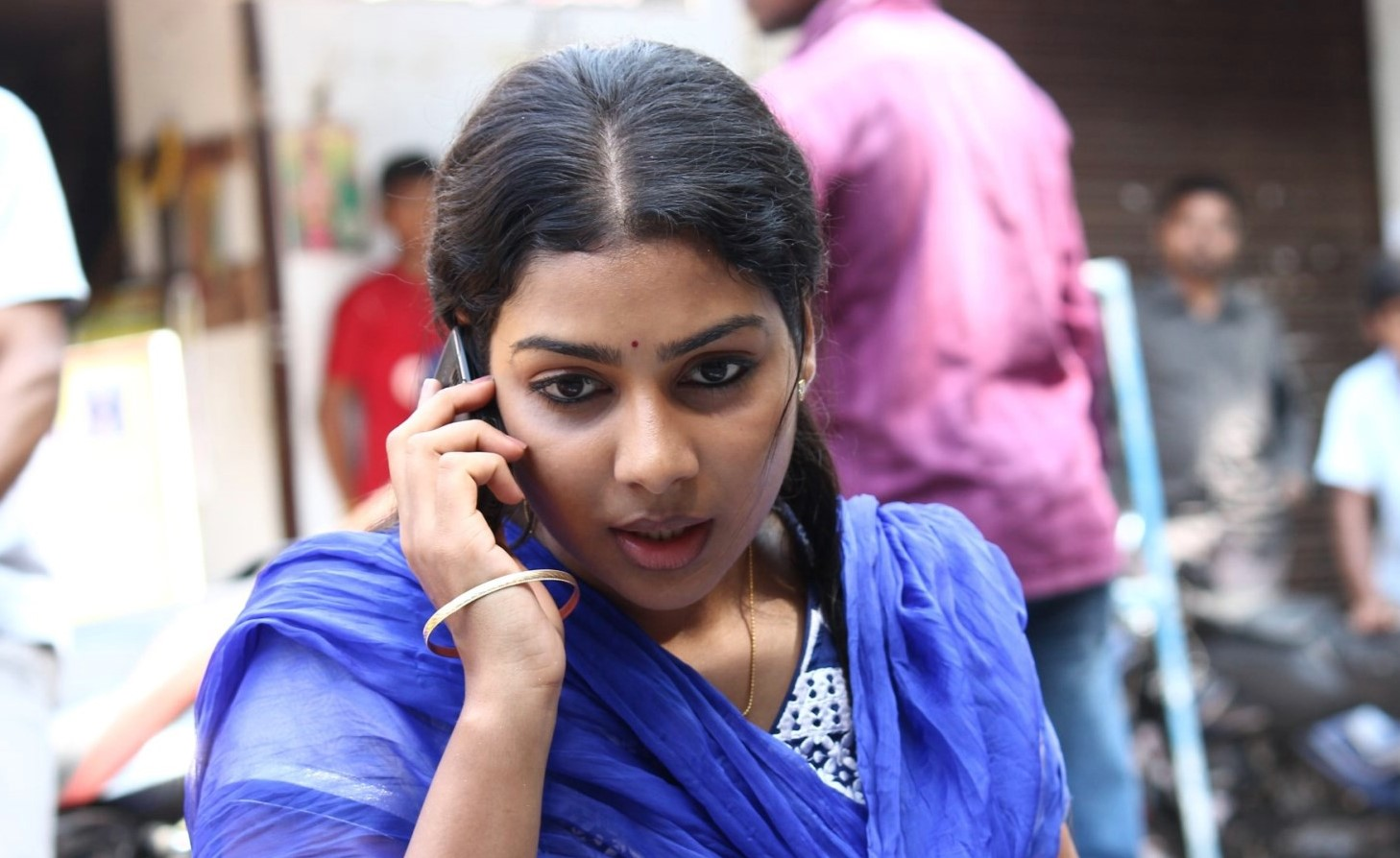 Heroine-bichagadu actress satna titus stills